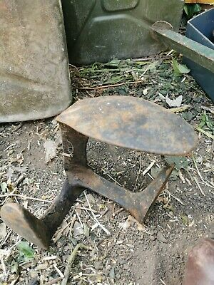 Vintage cast iron cobblers shoe last/retro door stop