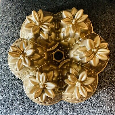Nordic Ware ALOHA Pineapple Gold Bundt Cake Pan