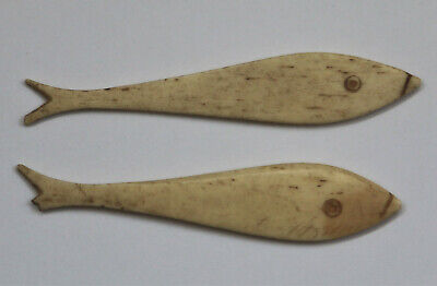 2 no Antique CHINESE FISH SHAPE GAMING COUNTER CHIPS - carved bovine bone 18th C