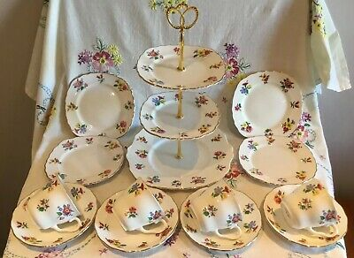 *Pretty Vintage Royal Vale Ditsy Floral Bone China 4 Person Tea Set + Cake Stand