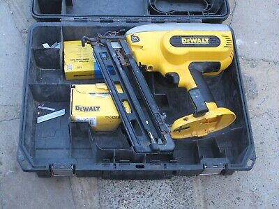 DEWALT DC618 Cordless Framing 2nd fix Nail Gun - SPARES OR REPAIRS
