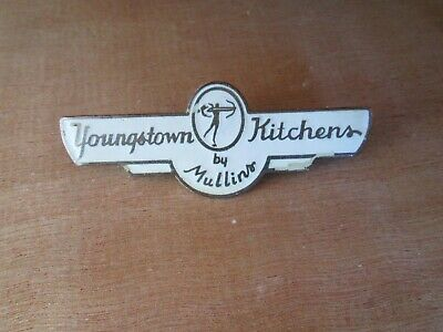 Vintage Youngstown  Kitchens  Badge By Mullins