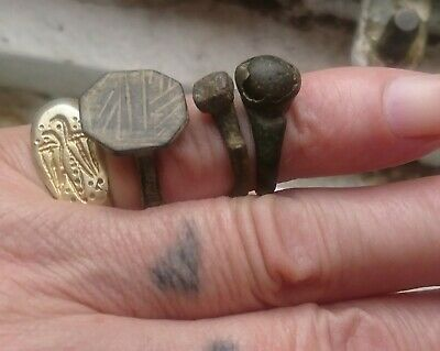 3 rings 2 are Roman and a Medieval