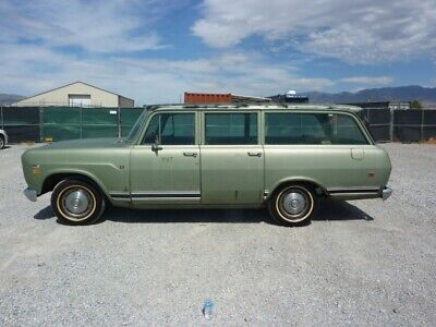 1972 International Harvester Other  1972 INTERNATIONAL TRAVELALL 9 PASS 345 V8 VERY NICE TOTALLY ORIGINAL AIR COND !
