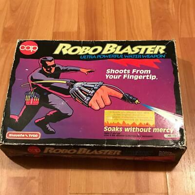 90`S Robo Blaster Water Toy