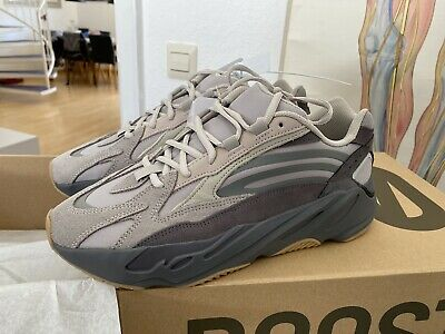 ADIDAS YEEZY BOOST 700 V2 Carbon Blue Us10 EUR 450,00