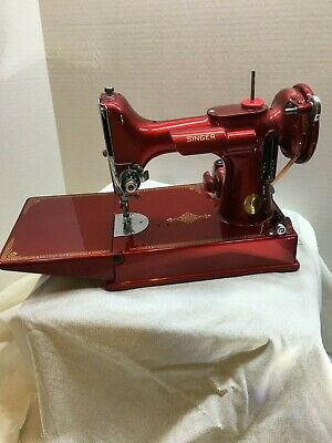 SINGER 221 Featherweight Sewing Machine - CANDY APPLE RED