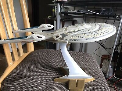USS Enterprise NCC-1701-E Star Trek Insurrection StarShip 1998 Playmates Toys