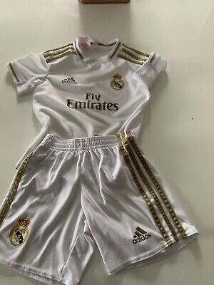 Unisex FC Real Madrid Football Strip Age 4-5 Good Condition
