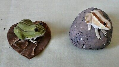 2 Ultralight Figurines Frog on Cork Rock by A. Gallagher Ireland , Frog on Heart