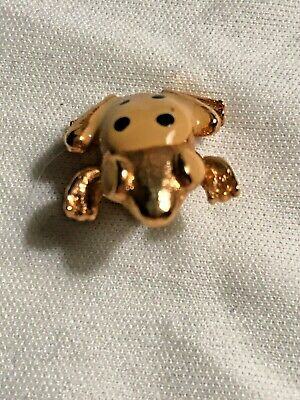 Vintage frog brooch paint on enamel gold tone collar pin