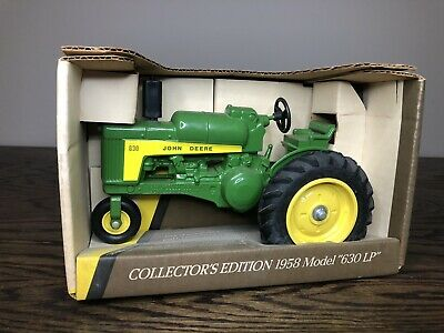 1989 Collectors Edition John Deere 630 Lp Single Front Tractor - 1/16 Scale Toy