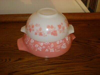 English Pyrex casserole bowls  in Emily Peach flower pattern in 3 sizes with handles by  lot of 3