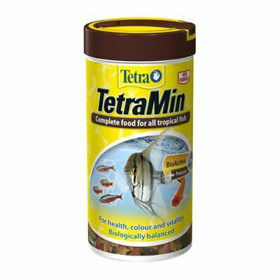TETRAFIN 52g TROPICAL FISH FLAKES COMPLETE FOOD