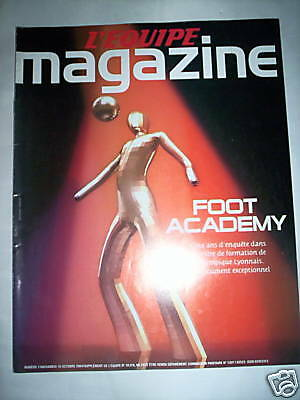 L'equipe Mag Oct 2004 Foot Academy 5 Ans Enquete Centre Formation Lyon Ol