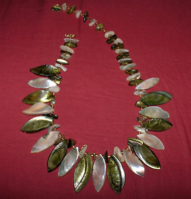 NICE VINTAGE 1940-50's MOTHER-of-PEARL NECKLACE