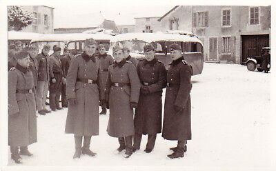 ORIGINAL WW2 PHOTO of GERMAN ARMY SOLDIERS in the SNOW