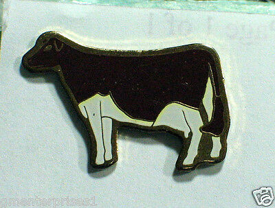 Cow Cattle Pin Badge  (#048)