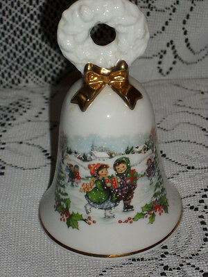 "5"" ceramic AVON CHRISTMAS 1986 White BELL w/Gold Trim"