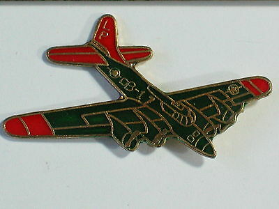Vintage B-17 Flying Fortress  Aircraft  Airplane Pin     (1h) **