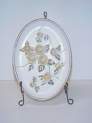 LEFTON WALL PLAQUE YELLOW FLOWERS