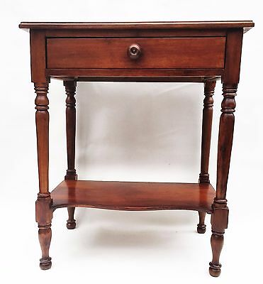 Walnut Federal Furniture Colonial Sheraton Antique Nightstand Lamp Table. c.1795