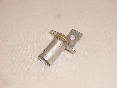 Ced P-L104 Indicator Incandescent Lamp Bulb B9 Ba9S Bayonet Base Socket Holder