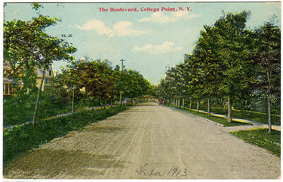 College Point Queens LI NY - THE BOULEVARD - Postcard