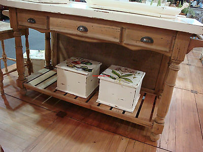 DISTRESSED COTTAGE KITCHEN Island in Natural Driftwood ...
