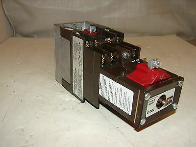 Cutler Hammer D26Mr802 Latched Relay ***nnb***