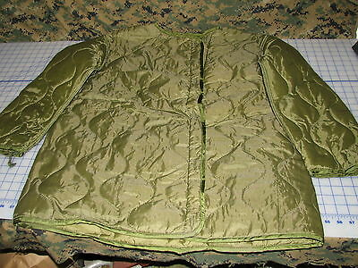 quilted parka LINER M65 military size Medium fishtail USGI NEW  vintage