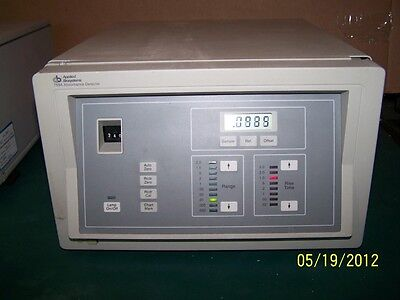 PE PERKIN ELMER  Applied Biosystems 759A  Absorbance Detector