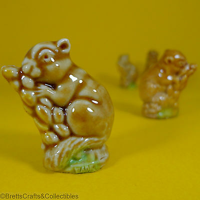 Wade Whimsies - 1967/84 Series 2 - 1974 Set 5 - Field Mouse - Variation B