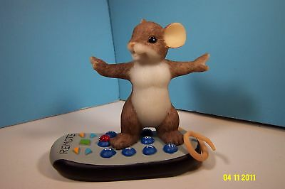 CHARMING TAILS Channel Surfing Mouse Figurine-New
