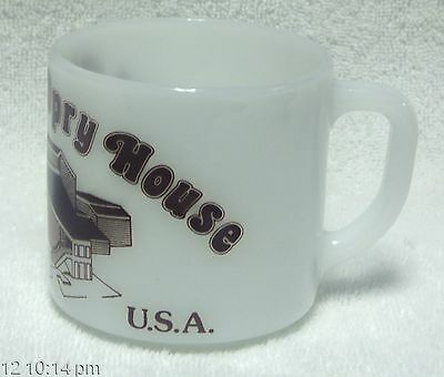 Vintage GRAND OLE OPRY HOUSE Federal White Milk Glass MUG CUP Opryland TN Mint