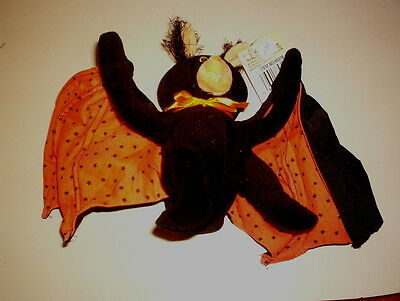 STUFFED BAT TOY   GREAT FOR HALLOWEEN!   H3
