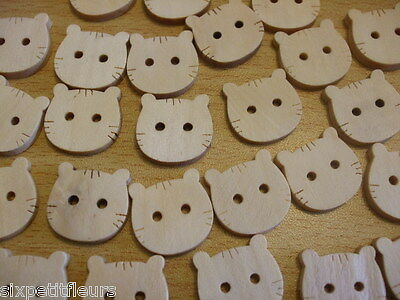 100 HELLO KITTY CAT SEWING CRAFT JEWELLERY WOODEN CHILDRENS BUTTONS 20x22mm