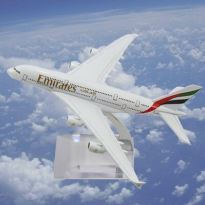 New 15Cm Metal A380 Emirates Airlines Plane Model Diecast Mold Gift
