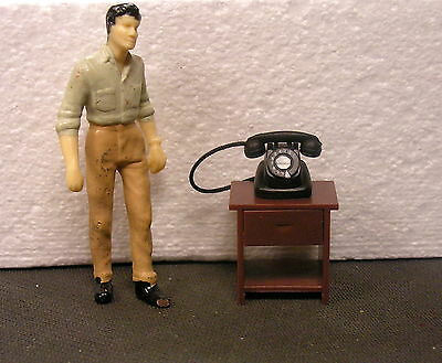 VINTAGE TELEPHONE WITH TABLE DIORAMA ACCESSORIES  1:24 (G) Scale MIP!