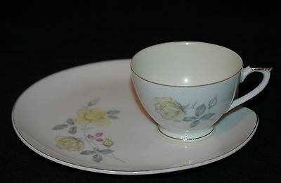 LEFTON FINE CHINA SNACK PLATE & CUP SET YELLOW ROSES NE2108