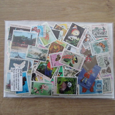 300 Timbres Differents Obliteres Du Monde / 300 Stamps World