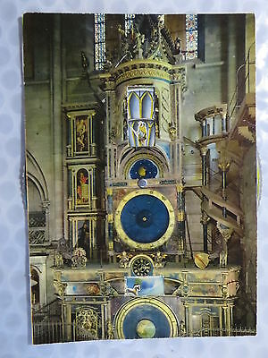 Strasbourg – Astronomical clock in Strassbourg – contient disque amovible pour c
