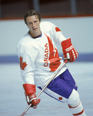 MIKE BOSSY 1987 TEAM CANADA Unsigned 8x10 Photo
