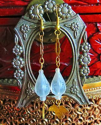 Delicate white pressed Lucite bead gold tone link dangle pierced Earrings    ip