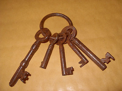 5 x Vintage Keys - As Photo.