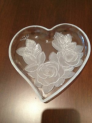 LOVELY CRYSTAL HEART SHAPED WITH ROSES  SMALL SERVING DISH BEAUTIFUL CONDITION