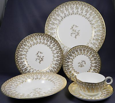 ROYAL WORCESTER RW271 English Bone China Complete Service for 8 People w/ Soups