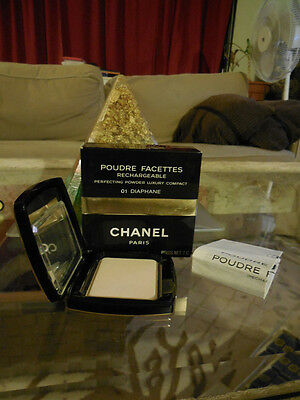 discontinued CHANEL PERFECTING POWDER LUXURY  COMPACT 01 DIAPHANE-138.010