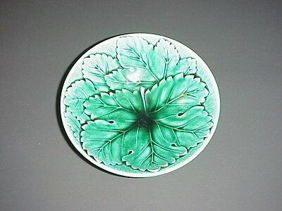 Wedgwood Majolica Etruria Barlaston Grape Leaf Bowl