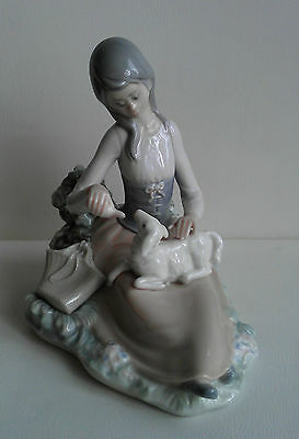LLADRO  Little Bo Peep # 1312  Girl Feeding Lamb w/Bottle  RETIRED RARE